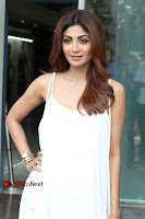 Bollywood Actress Shilpa Shetty Pos in White Gown at The Inauguration Of Shelar Make up Academy  0019.jpg