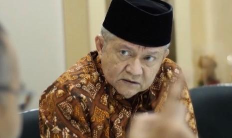 KH Anwar Heran ada Menteri tak Mampu Cegah TKA China