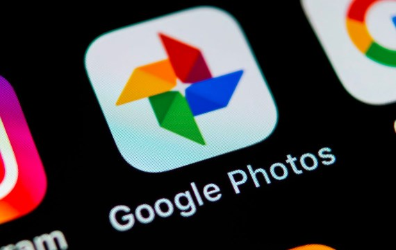 how to download google photos to phone