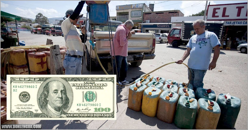 Con un soborno de 100 dólares se llena e tanque de gasolina en Venezuela