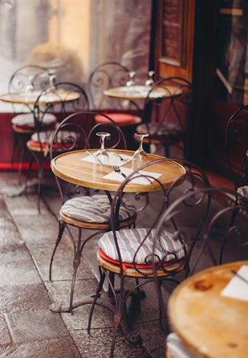 Model Meja Kursi Untuk Furniture Cafe dan Restoran Desain