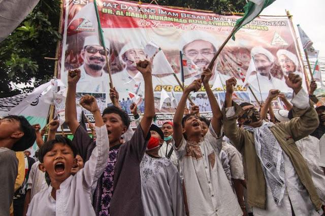 Habib Rizieq Terancam Penjara, FPI Beri Warning: Demi Allah Kami Akan Mati-matian Membela!