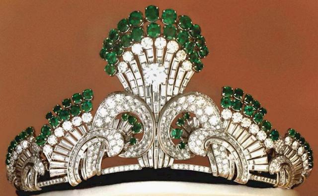 emerald tiara queen ratna nepal fred rajya lakshmi devi shah