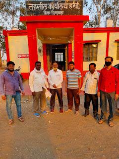 हर्रई तहसील कार्यालय में अवैध वसूली को लेकर अधिवक्ताओं ने की शिकायत,सौपा ज्ञापन