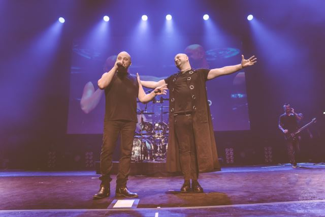 "DISTURBED: Ο David Draiman συνάντησε τον ""σωσία"" του σε συναυλία"
