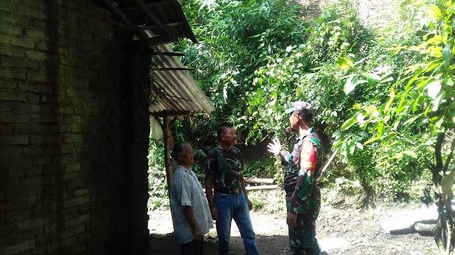 Waspada Bencana Alam Babinsa Koramil 23/Ceper Berikan Himbauan Kepada Warganya