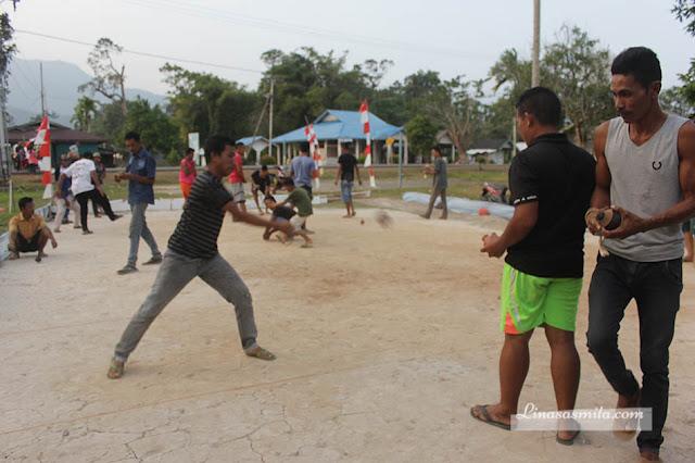 Permainan Gasing di Pulau Lingga