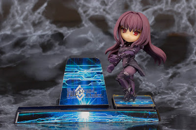 "Smartphone Stand Scáthach de ""Fate/Grand Order"" - PULCHRA"