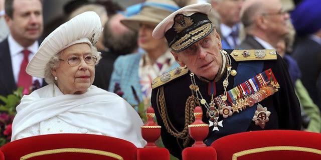 Ratu Elizabeth pada acara istana