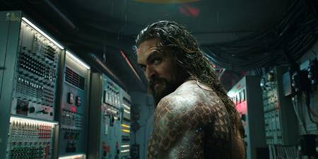Top 15 Easter Eggs di Film Aquaman (2018), dari sampai Annabelle