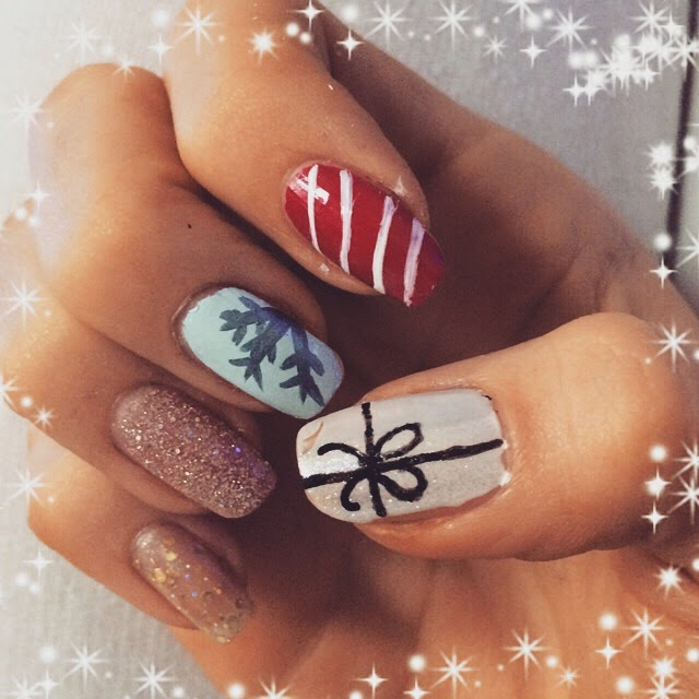 Christmas-Nails-bows-presents-snowflake-glitter-candy-cane