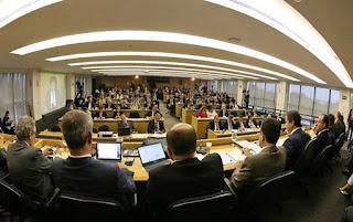 OAB decide entrar com pedido de impeachment de Temer