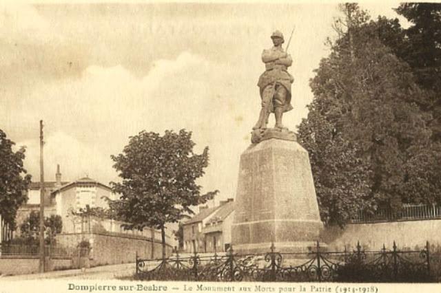 CPA monuments aux Morts de l'Allier, Dompierre sur Besbre