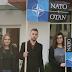 Postavio zastavu NATO-a ispred zgrade SNSD-a