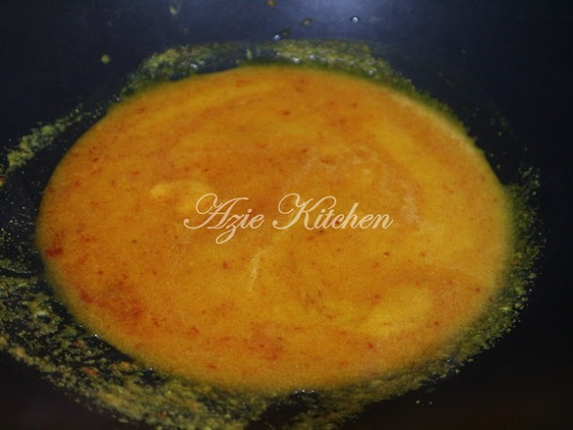 Gulai Kuning Ikan dan Sambal Nasi Berlauk Kelantan