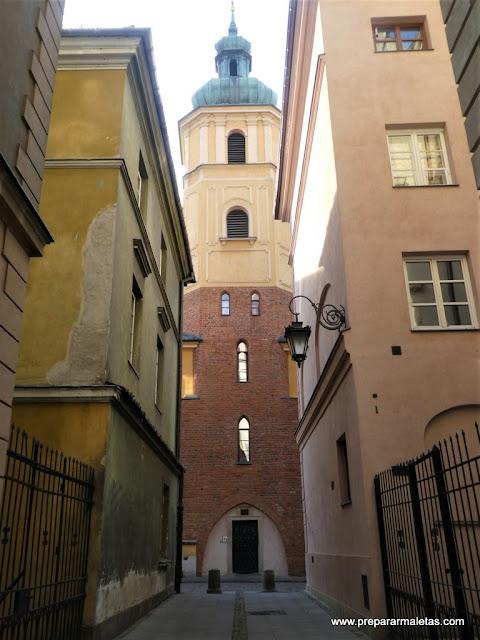 por las calles del centro de Varsovia