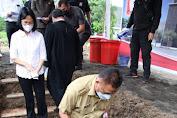 Gubernur Letakkan Batu Pertama Pembangunan Gereja Kampus Unsrat