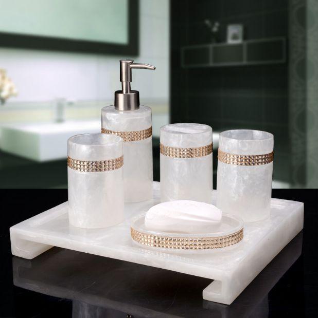Amenity trong phòng tắm resort nhựa resin đẳng cấp tại Hà Nội