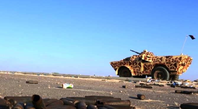 Sirte (Libya) (AFP) - Crouched behind a cement wall to avoid sniper fire, Libyan pro-government fighters say US air strikes on the Islamic State jihadist group in its Sirte bastion have boosted morale.  Fighters allied to the UN-backed Government of National Accord (GNA) have waged a fierce weeks-long battle to retake the coastal city of Sirte from the jihadists.