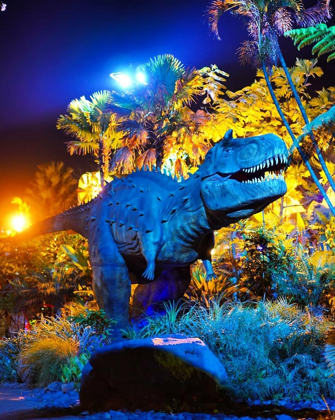 Taman Dinosaurus Malang Night Paradise