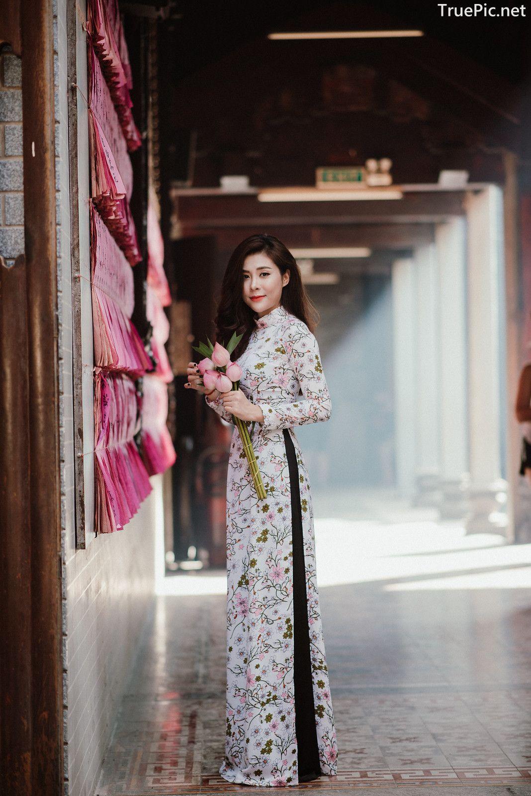 Image-Vietnamese-Beautiful-Girl-Ao-Dai-Vietnam-Traditional-Dress-by-VIN-Photo-3-TruePic.net- Picture-6