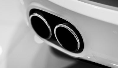 Kenali Tanda Kerusakan Mesin Kendaraan Dari Warna Asap Knalpot