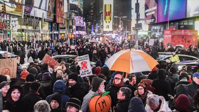 Miles de personas piden impeachment de Trump en Nueva York