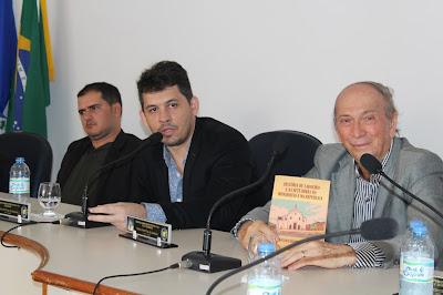 Realizado na Câmara Municipal Lançamento de Livro Sobre a História de Saboeiro.