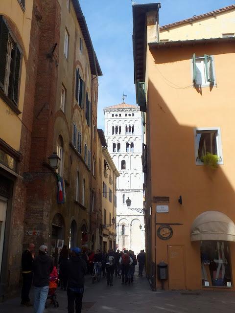 ruta por el casco antiguo de Lucca