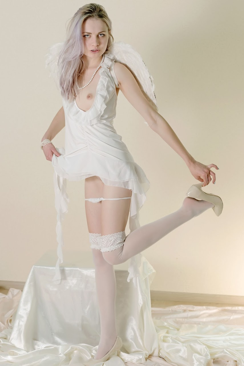 [EroticBeauty] Egida - Presenting 1489166198__eb-presenting-egida-cover