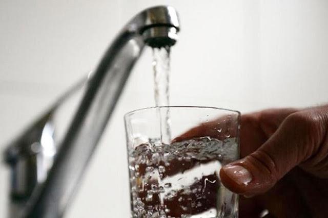 Στα πλαίσια της υπεύθυνης, επισταμένης και καθημερινής   παρακολούθησης - ιδιαίτερα το τελευταίο διάστημα- της ποιότητας του πόσιμου νερού (δικτύου ΔΕΥΑΝ), θέλουμε να σας ενημερώσουμε: Λόγω της παρατεταμένης ανομβρίας και συγχρόνως της υψηλής ζήτησης πόσιμου νερού από το δίκτυο της ΔΕΥΑΝ, είναι περιορισμένος ο εμπλουτισμός του υδροφόρου ορίζοντα, με επακόλουθη συνέπεια την υποβάθμιση της ποιότητας του νερού προς ανθρώπινη κατανάλωση. Με αίσθημα ευθύνης, ενημερώνουμε τους συμπολίτες μας να αποφεύγουν τη χρήση του νερού προς πόση . Απευθυνόμενοι στους συνδημότες μας και στους επισκέπτες μας, ζητάμε την αποφυγή της άσκοπης χρήσης του νερού.   Οι εργαζόμενοι της ΔΕΥΑΝ παρακολουθούν την εξέλιξη του φαινομένου, και θα σας ενημερώνουμε συνεχώς .    ΑΠΟ ΤΗ ΔΕΥΑΝ