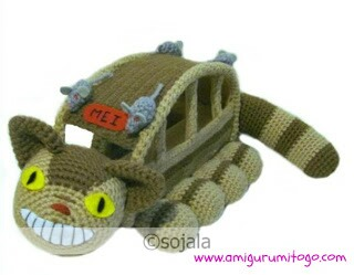 beige and brown crochet cat bus