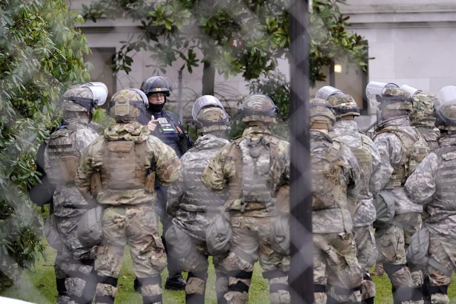 Οπλισμένη η εθνοφρουρά στην Ουάσιγκτον