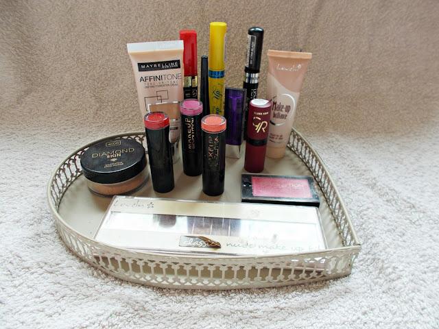 Opróżniamy nasze kosmetyczki: kosmetyki do makijażu