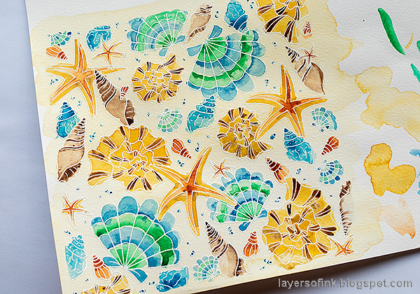 Layers of ink - Watercolor Shells Tutorial by Anna-Karin Evaldsson. Paint the shells with watercolors.