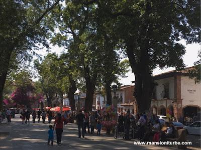 Plaza Vasco de Quiroga en Pátzcuaro - Hotel Mansion Iturbe