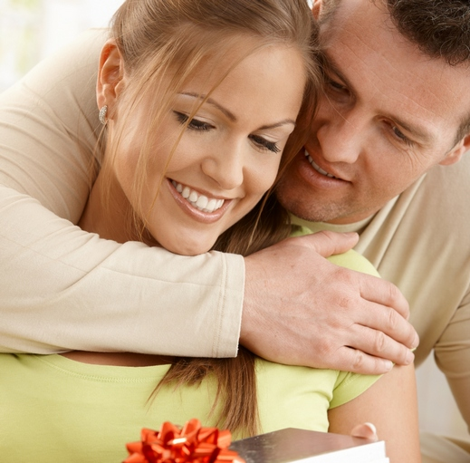 عبارات يرغب كل زوج في سماعها مهما كانت ثقته بنفسه واستقلاليته 152118716.jpg