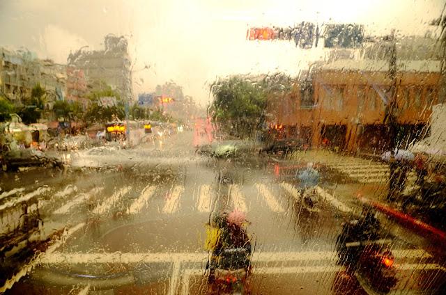 타이페이 도착하자 비가 주룩주룩