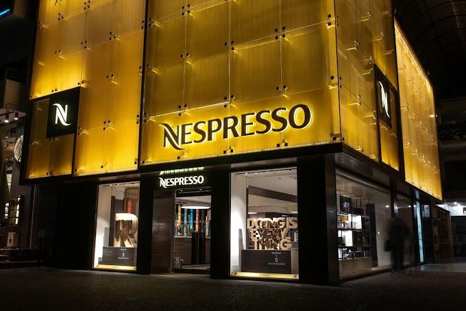 Γεύση με Τέχνη: O Greg (Γρηγόρης Παπαγρηγορίου) φιλοτεχνεί  τη Nespresso boutique της Γλυφάδας