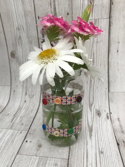 Finished vase with flowers inside