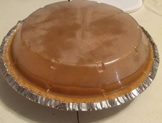 marshmallow pumpkin pie, no bake marshmallow pumpkin pie, pumpkin marshmallow pie, no-bake marshmallow pumpkin pie, easy pie recipes, easy no-bake recipes, no bake recipes, fall recipes, pumpkin recipes