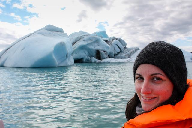 Viendo icebergs en el lago Jökulsárlón