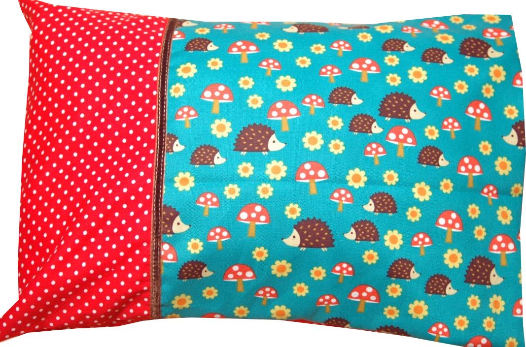 gen htes mit herz babykissen mit namen verschiedene motive stoffe aus den usa http de. Black Bedroom Furniture Sets. Home Design Ideas