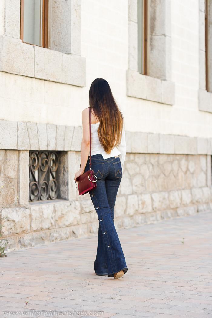Streetstyle: Camisa asimétrica blanca Zara y jeans acampanados Meltin Pot