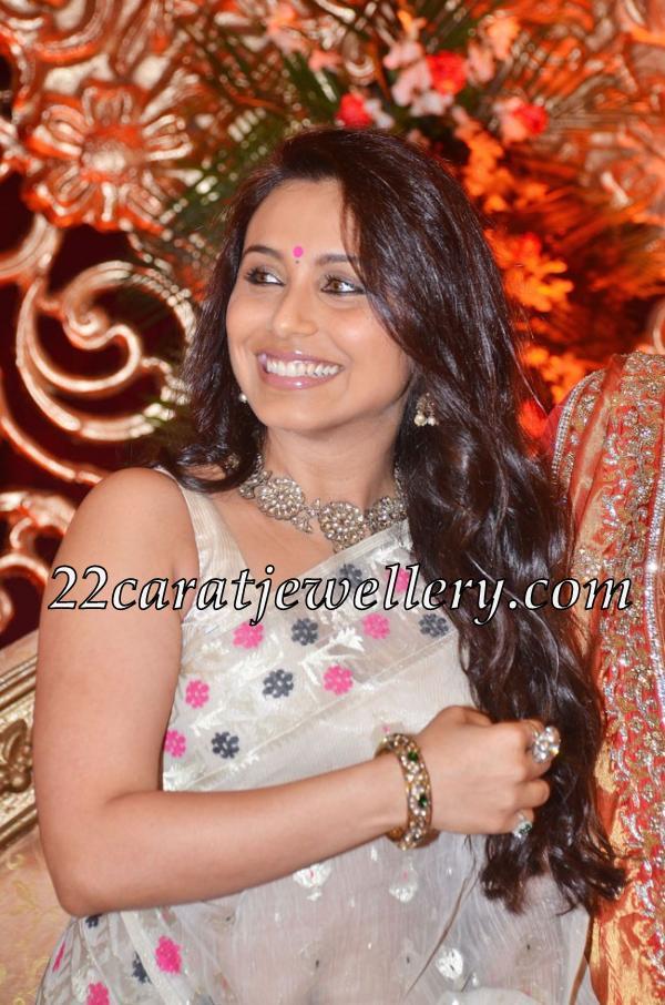 Rani Mukherjee at Tanisha Wedding - Jewellery Designs