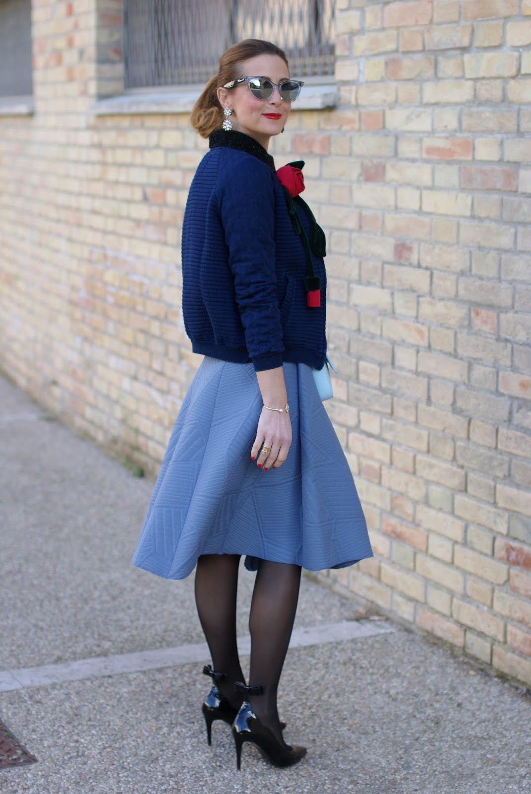 Valentine's day romantic outfit with bomber jacket, asymmetrical midi skirt, Sergio Amaranti shoes on Fashion and Cookies fashion blog, fashion blogger style