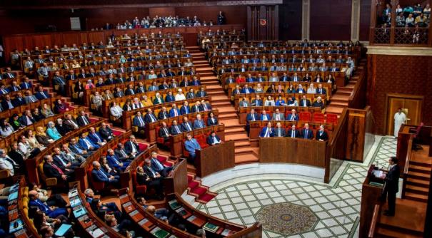 لجنة المالية بمجلس النواب تصادق بالإجماع على تصفية نظام معاشات البرلمانيين