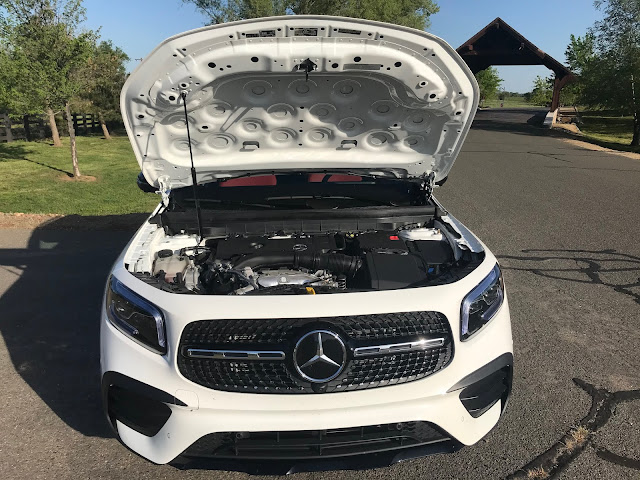 Hood up on 2020 Mercedes-Benz GLB 250 4MATIC