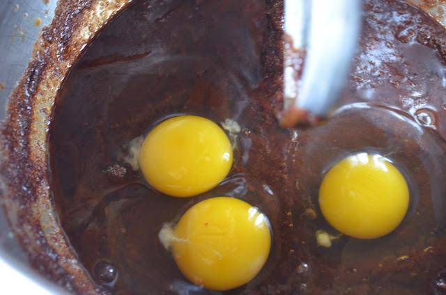 Peppermint-Mocha-Chocolate-Chip-Cookies-Eggs.jpg