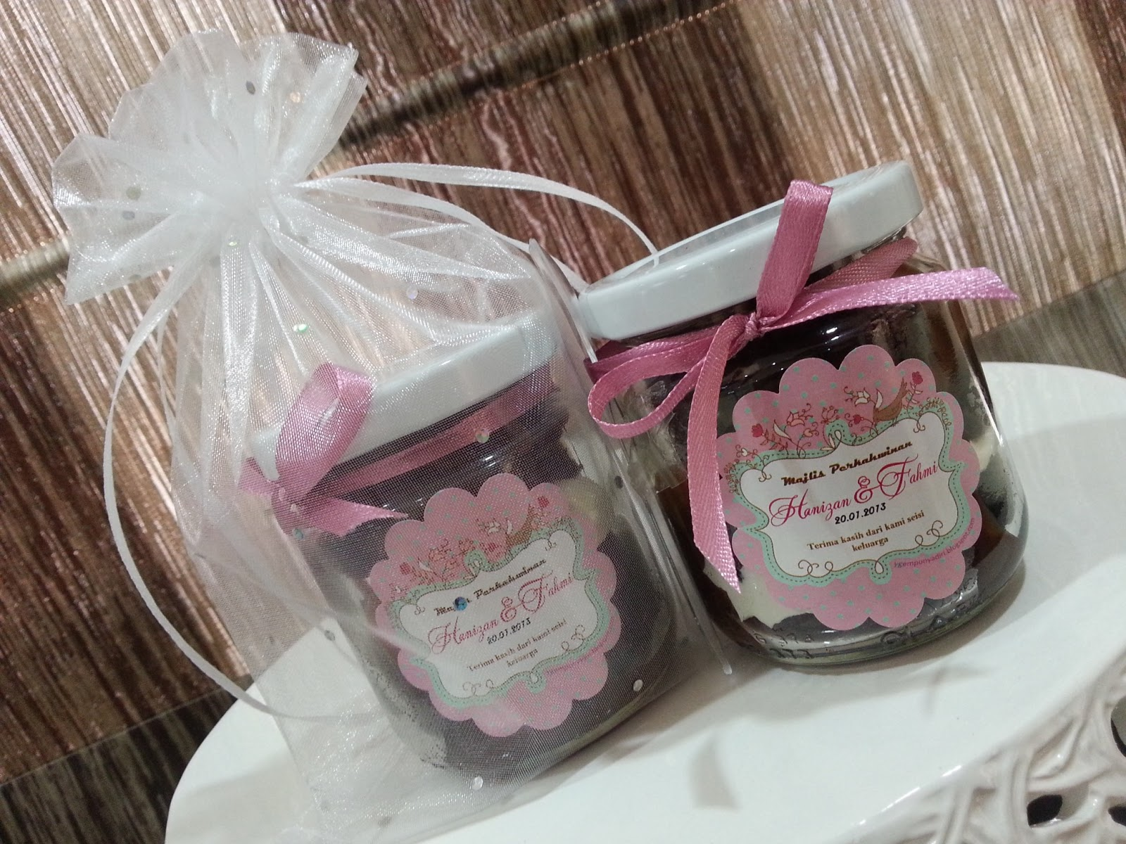 Door Gift For Wedding: Wedding Door Gift Cake In Jar